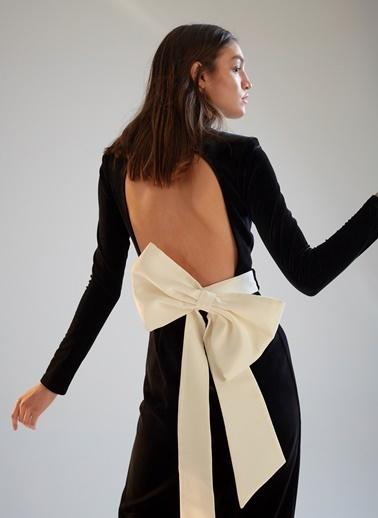 morhipoxsudi etuz Yırtmaçlı ve Fiyonk Kemerli Kadife Elbise Siyah